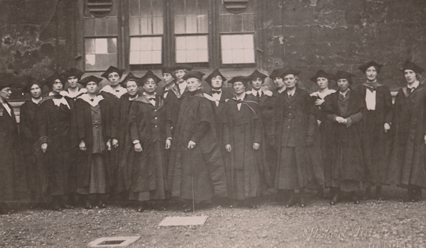 Black and white image showing Degree Day 1920 Oxford.